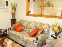 08-Explorers Lounge
