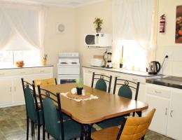 02-Squatters Cottage Kitchen